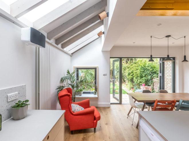 Delightful kitchen side return extension in Harringay